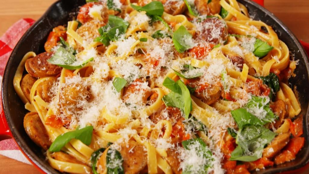 1493851487-delish-pasta-sinatra-1
